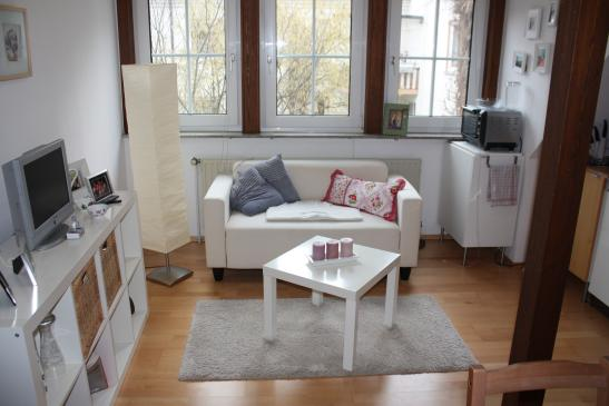 gem tliche 2 zimmer wohnung in sch ner lage m bliert 1 zimmer wohnung in bayreuth st georgen. Black Bedroom Furniture Sets. Home Design Ideas