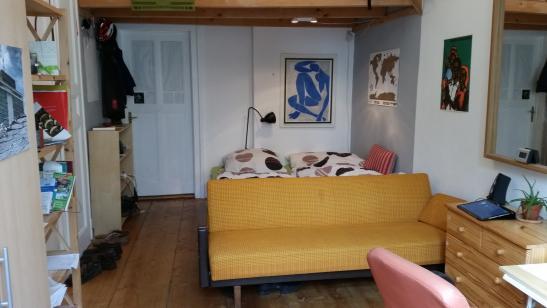 m bliertes 18 qm zimmer in wundersch ner altbau wg beste lage wg zimmer in dresden striesen. Black Bedroom Furniture Sets. Home Design Ideas