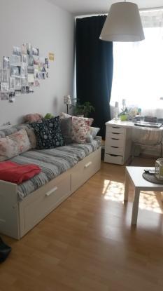 g nstige 1 zimmer wohnung in innenstadtn he 1 zimmer wohnung in neubrandenburg katharinenviertel. Black Bedroom Furniture Sets. Home Design Ideas