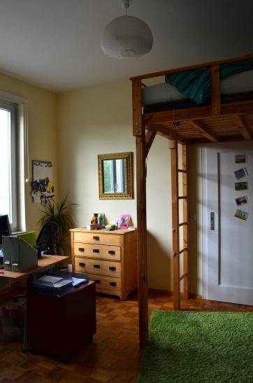 zimmer in berufst tigen wg am roteb hlplatz zimmer in stuttgart mitte. Black Bedroom Furniture Sets. Home Design Ideas