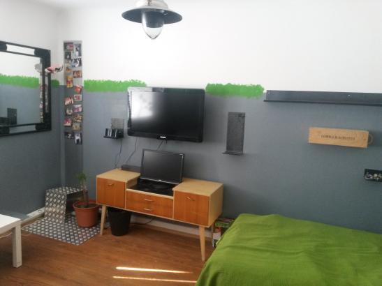 entspanntes m bliertes zimmer zu vermieten wohngemeinschaften in hamburg bahrenfeld. Black Bedroom Furniture Sets. Home Design Ideas