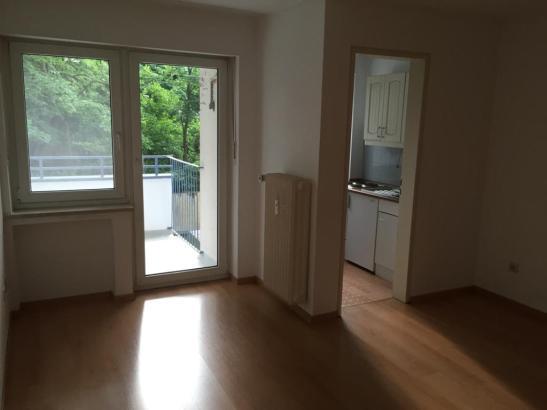zentrale einzimmer wohnung in isarn he 1 zimmer wohnung in m nchen au haidhausen. Black Bedroom Furniture Sets. Home Design Ideas