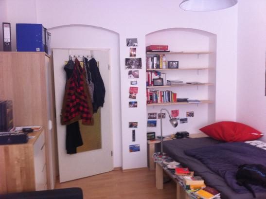 m bliertes 19 qm zimmer zwischenmiete 250 warm m bliertes zimmer erfurt erfurt altstadt. Black Bedroom Furniture Sets. Home Design Ideas