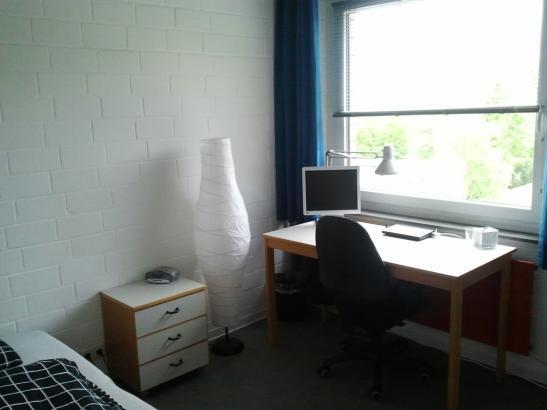 studentenparadies und alles im preis mit drin 1 zimmer wohnung in kiel klausbrook. Black Bedroom Furniture Sets. Home Design Ideas