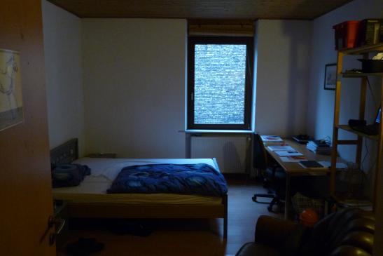 schickes helles wg zimmer in mannheims k nstlerviertel wohngemeinschaft mannheim m bliert. Black Bedroom Furniture Sets. Home Design Ideas