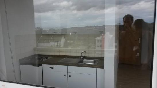 ein zimmer wohnung mit sch nem balkon 1 zimmer wohnung in gie en. Black Bedroom Furniture Sets. Home Design Ideas