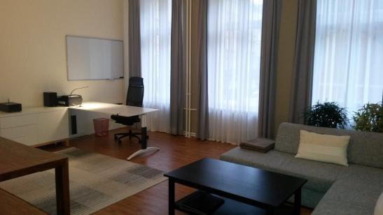 beautifully furnished apartment in city center wohnung in berlin mitte. Black Bedroom Furniture Sets. Home Design Ideas