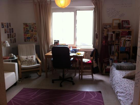 zwischenmieter f r gem tliche wohnung im agnesviertel gesucht 1 zimmer wohnung in k ln k ln. Black Bedroom Furniture Sets. Home Design Ideas