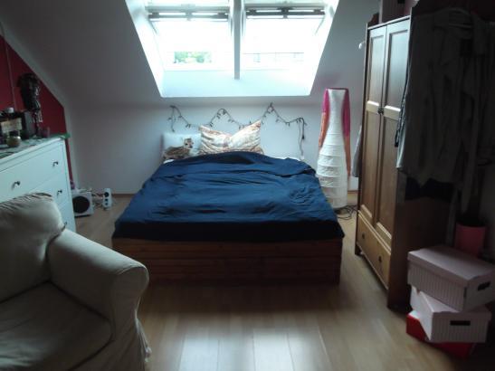 helles und gem tliches zimmer in bester lage anzubieten wg zimmer in kassel mitte. Black Bedroom Furniture Sets. Home Design Ideas