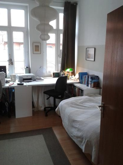 zwischenmiete 16qm zimmer im wunderbaren linden nord. Black Bedroom Furniture Sets. Home Design Ideas