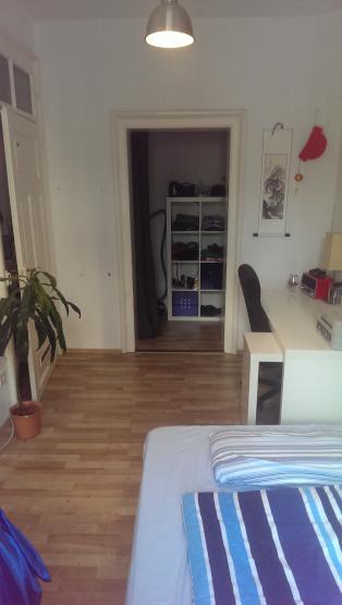 17qm wg zimmer in bester zentrallage zur zwischenmiete m blierte wg m nchen maxvorstadt. Black Bedroom Furniture Sets. Home Design Ideas