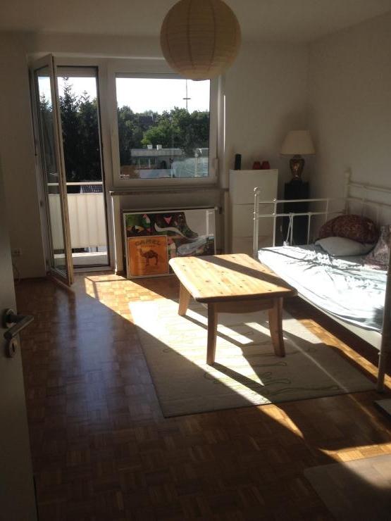 sch ne helle 2 zimmer wohnung p rchenhit wohnung in m nchen berg am laim. Black Bedroom Furniture Sets. Home Design Ideas