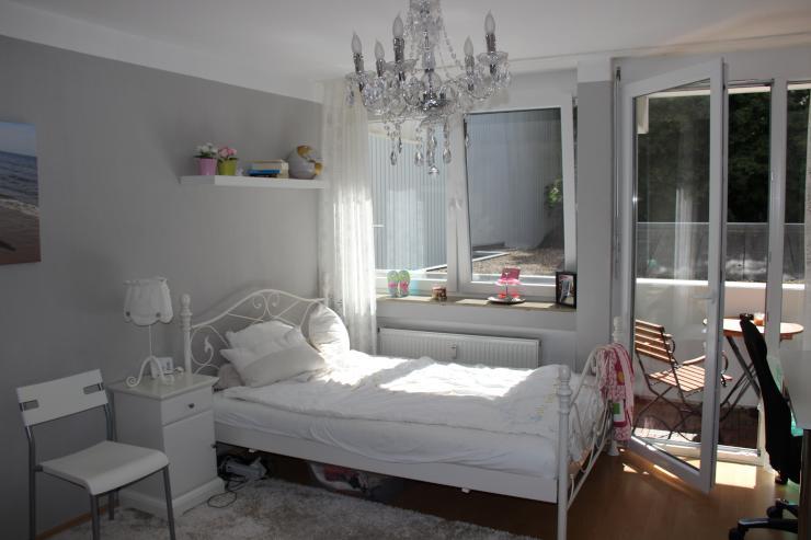 1 zimmer wohnung mit balkon in stuttgart mitte 1 zimmer wohnung in stuttgart mitte. Black Bedroom Furniture Sets. Home Design Ideas