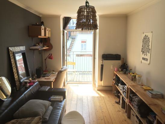 zimmer mit balkon im kreuzviertel geile wg altbau wg zimmer m nster centrum. Black Bedroom Furniture Sets. Home Design Ideas