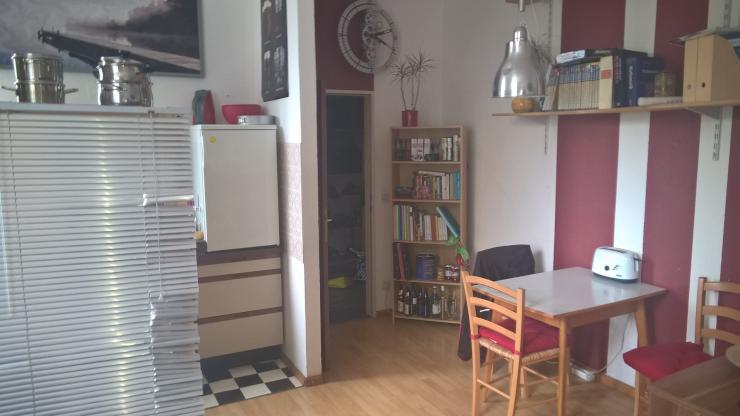 helles ein zimmer apartment 1 zimmer wohnung in aachen aachen. Black Bedroom Furniture Sets. Home Design Ideas