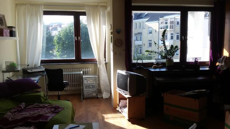 direkt bei der uni einfach einziehen 1 zimmer wohnung in kiel ravensberg. Black Bedroom Furniture Sets. Home Design Ideas