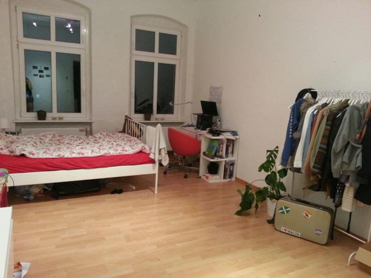 helles ger umiges zimmer in 3er wg zu vermieten wg suche berlin wedding. Black Bedroom Furniture Sets. Home Design Ideas