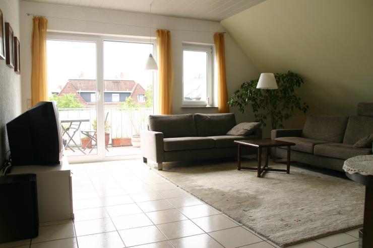 gro z gige 4 5 zimmer dachgeschoss wohnung von privat. Black Bedroom Furniture Sets. Home Design Ideas