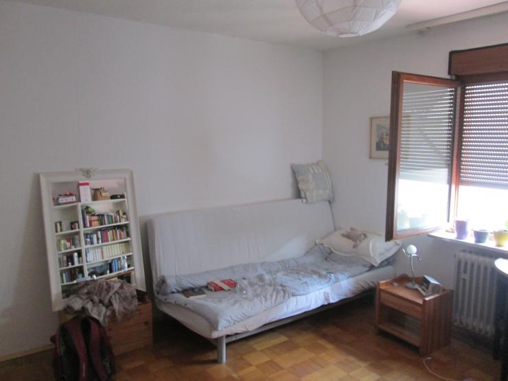 Zwei riesige 25 qm zimmer mit parkett in 4 er wg mit for Wohnzimmer 25 qm