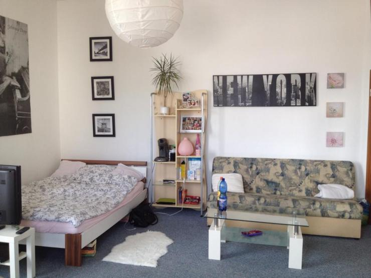helles 25m zimmer in super lage wgs in kiel hassee. Black Bedroom Furniture Sets. Home Design Ideas
