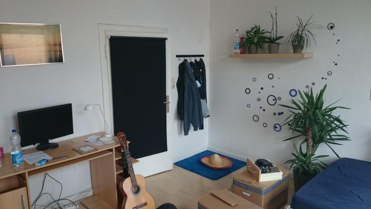 20m zimmer in netter 3er wg zentral super anbindung wg zimmer wuppertal elberfeld. Black Bedroom Furniture Sets. Home Design Ideas