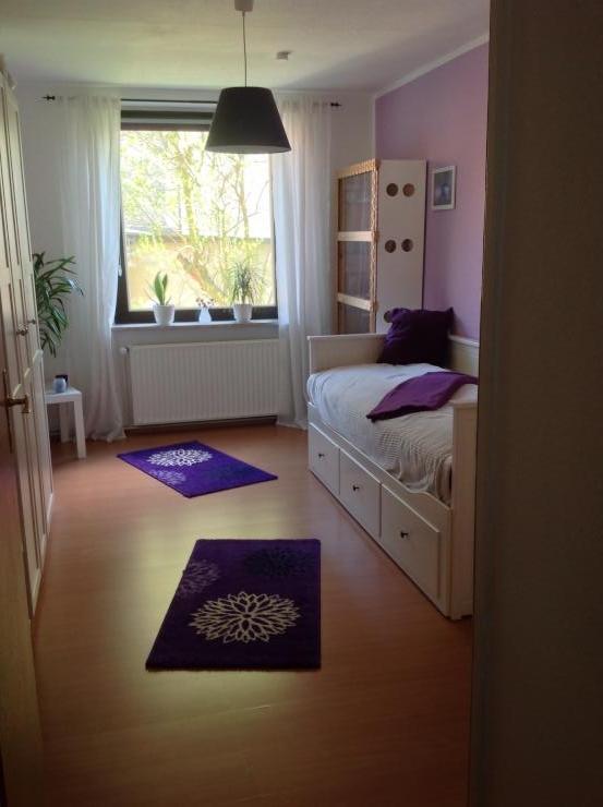 sch ne ruhig gelegene 2 zimmer wohnung in kleefeld. Black Bedroom Furniture Sets. Home Design Ideas