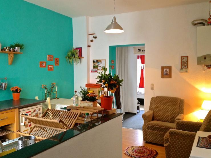 sch ne 2 zimmerwohnung in nippes zur zwischenmiete. Black Bedroom Furniture Sets. Home Design Ideas