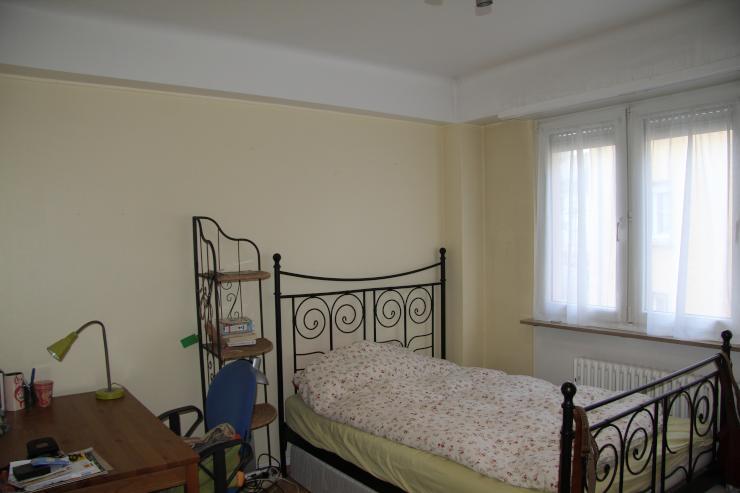 zimmer in sch ner wohnung in merl wg zimmer luxemburg merl. Black Bedroom Furniture Sets. Home Design Ideas