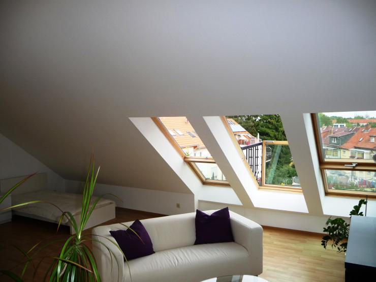 ruhiges helles gepflegtes 1 raum appartement mit eigenem bad 1 zimmer wohnung in erfurt. Black Bedroom Furniture Sets. Home Design Ideas