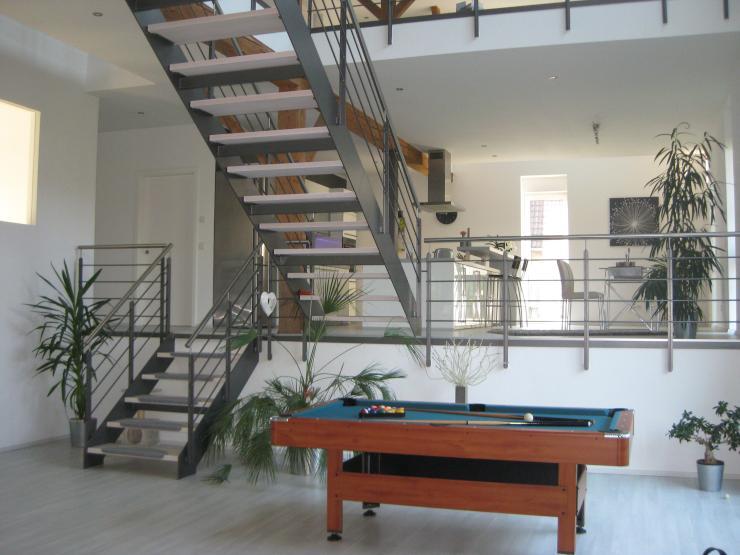 extravagant wohnen im gr nen ca 25 min nach hd ma wgs. Black Bedroom Furniture Sets. Home Design Ideas
