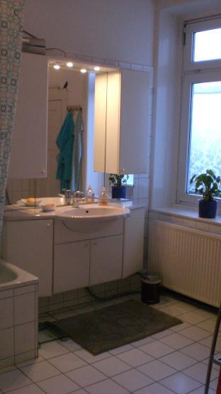 sch nes 24 qm zimmer in 3er wg wohngemeinschaft in l beck st lorenz s d. Black Bedroom Furniture Sets. Home Design Ideas