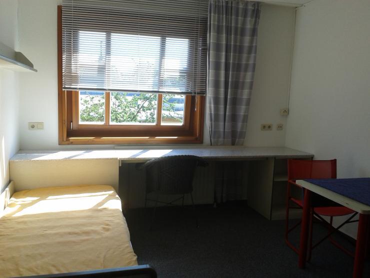270 warmmiete strom evtl telefon internet 1 zimmer wohnung in bayreuth gartenstadt. Black Bedroom Furniture Sets. Home Design Ideas