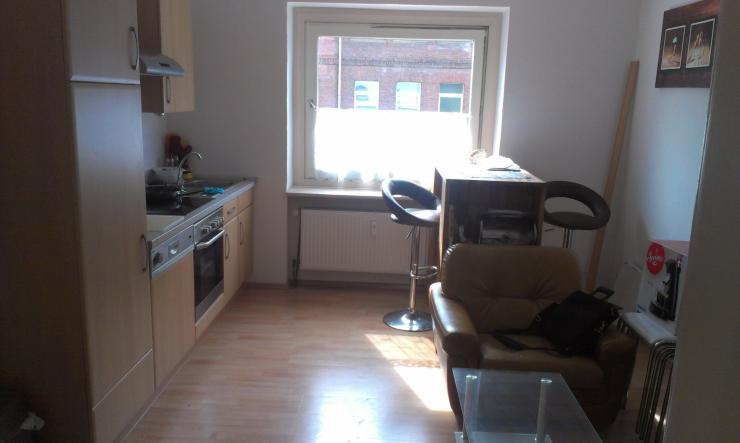 sch ne 1 5 zimmerwohnung in guter lage mit k chenzeile studenten 1 zimmer wohnung in wuppertal. Black Bedroom Furniture Sets. Home Design Ideas