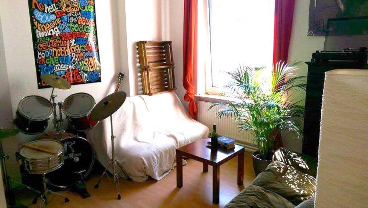 gro es helles altbau wg zimmer in bielefeld mitte wg suche bielefeld innenstadt. Black Bedroom Furniture Sets. Home Design Ideas