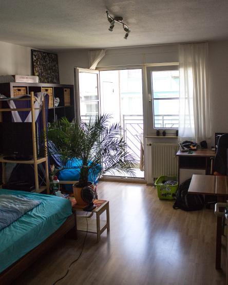 g nstige ein zimmer wohnung in ruhiger wohnanlage 1. Black Bedroom Furniture Sets. Home Design Ideas