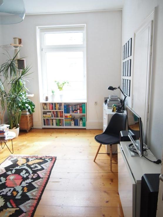 altbau zur zwischenmiete f r katzenfreunde wohnung in frankfurt am main bockenheim. Black Bedroom Furniture Sets. Home Design Ideas
