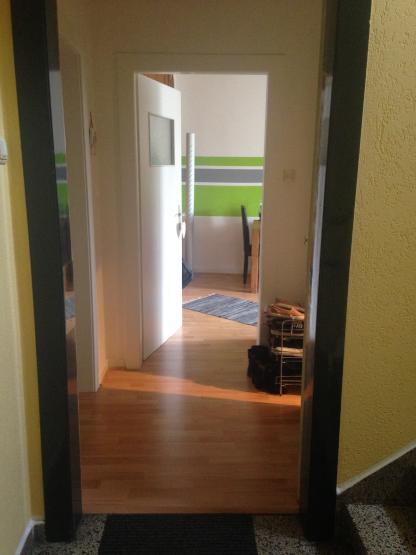 helle 2 zimmer wohnung im d sseldorfer norden wohnung in d sseldorf rath. Black Bedroom Furniture Sets. Home Design Ideas