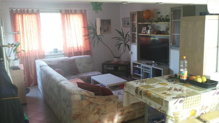 helle 1 5 zimmer wohnung inkl k che und balkon in. Black Bedroom Furniture Sets. Home Design Ideas