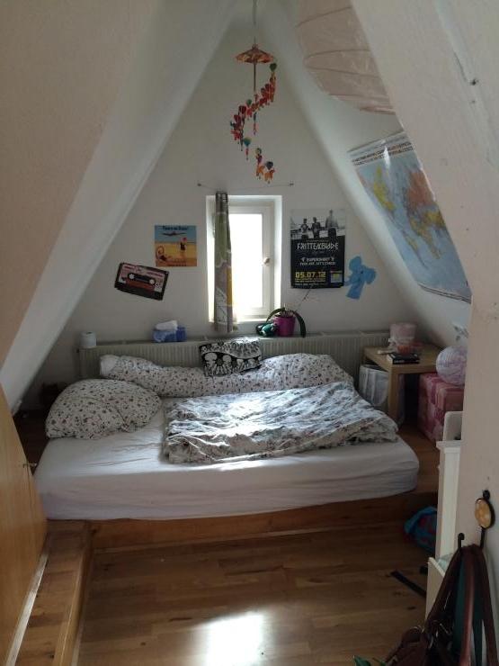 m bliertes 16 qm wg zimmer in stuttgart ost wg zimmer in stuttgart ost. Black Bedroom Furniture Sets. Home Design Ideas