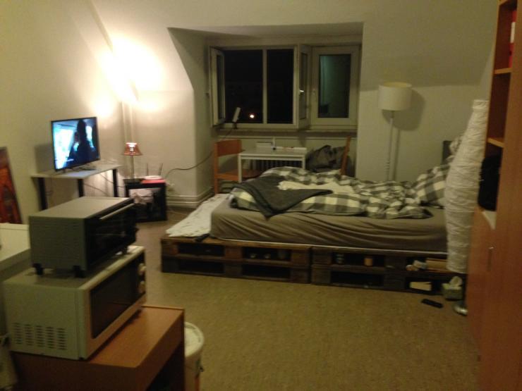 sch nes zimmer im studentenwohnheim ulmenweg 1 zimmer wohnung in mannheim k fertal. Black Bedroom Furniture Sets. Home Design Ideas