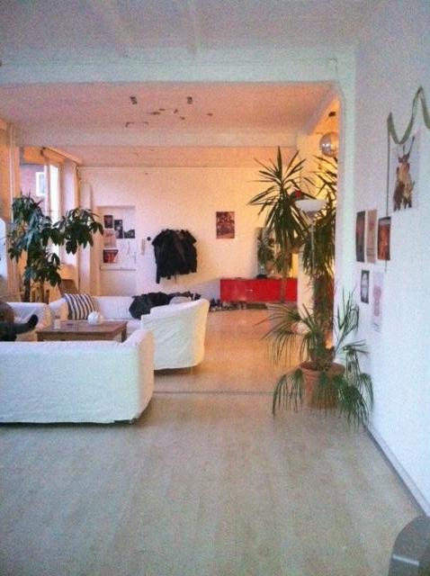 mitbewohner f r gro es zimmer in altona nord gesucht wgs in hamburg altona nord. Black Bedroom Furniture Sets. Home Design Ideas