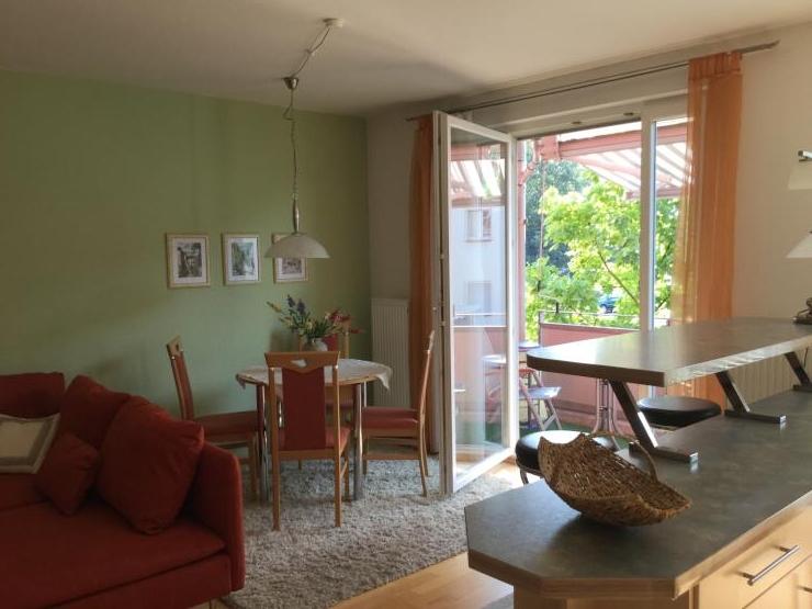 sch ne 2 zi whg m bliert ruhige 1a lage sw balkon wohnung in erlangen anger. Black Bedroom Furniture Sets. Home Design Ideas