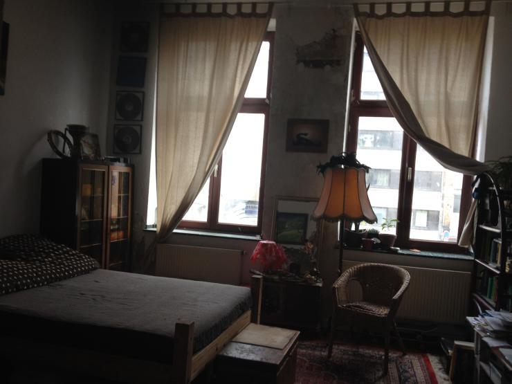 nachmieter f r 2 zi altbauwohnung n he barbarossaplatz. Black Bedroom Furniture Sets. Home Design Ideas