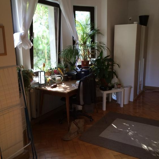25qm zimmer in netter und gut gelegener 3er wg wgzimmer regensburg ostenviertel. Black Bedroom Furniture Sets. Home Design Ideas