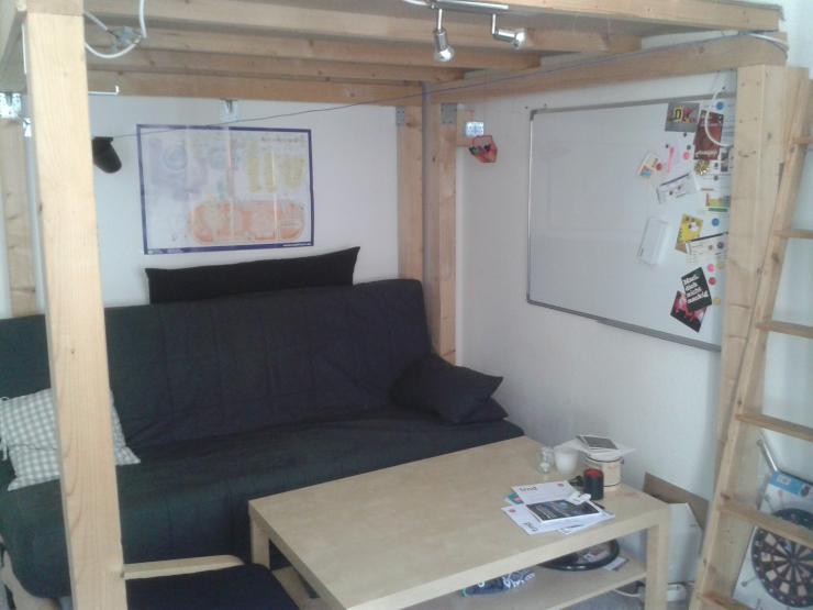 m bliertes 17 qm zimmer in bester lage zur zwischenmiete wg zimmer dresden m bliert dresden. Black Bedroom Furniture Sets. Home Design Ideas