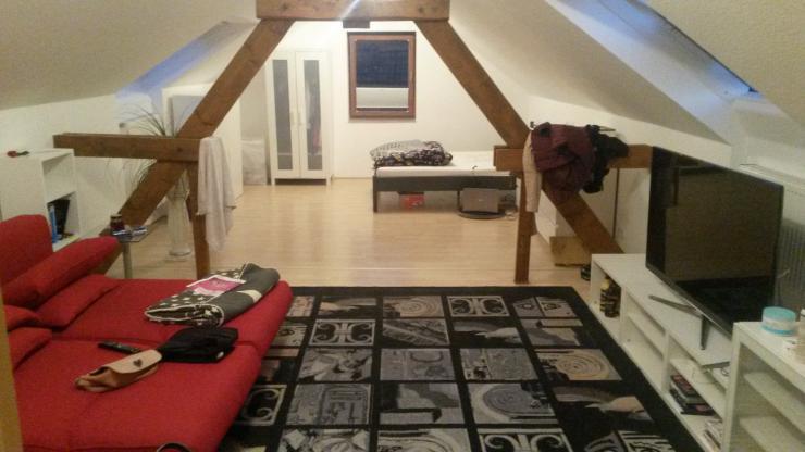 dachgeschoss in 3er haus wg wg suche aachen brand. Black Bedroom Furniture Sets. Home Design Ideas