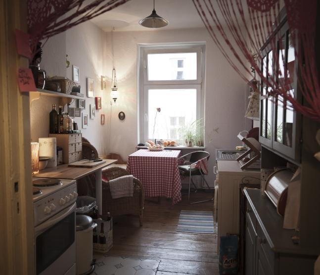 gem tliche sonnige 1 5 zimmerwohnung am kanal 1 zimmer wohnung in berlin neuk lln. Black Bedroom Furniture Sets. Home Design Ideas