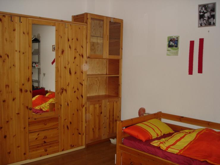 sch nes 18m zimmer in 3er wg wgzimmer kiel hassee. Black Bedroom Furniture Sets. Home Design Ideas