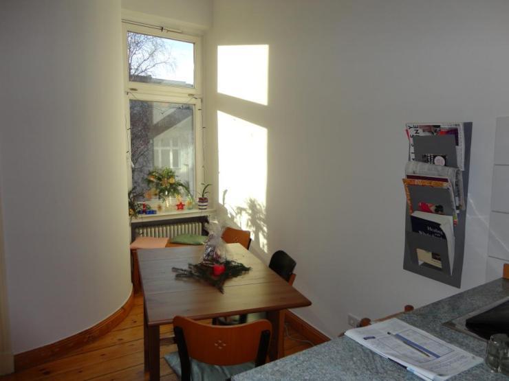 18 qm gro es wundersch nes zimmer in einer 125qm altbauwohnung wgs in berlin sch neberg. Black Bedroom Furniture Sets. Home Design Ideas