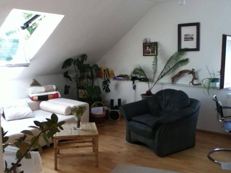 helle ger umige dachgeschosswohnung zentrumnah mit garten wohnung in wetzlar wetzlar. Black Bedroom Furniture Sets. Home Design Ideas